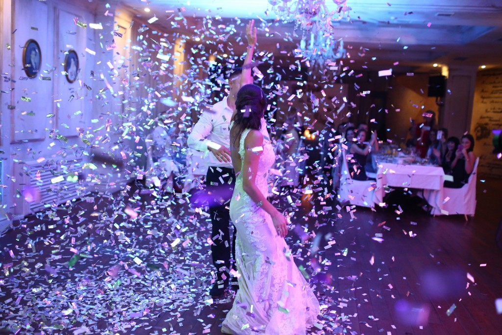 Groove with me | First Dance Confetti | Weddign Confetti | Pro-series Remote Controlled Single Barrel Confetti Cannon Launcher | Pro-series Remote Controlled Two Barrel Confetti Cannon Launcher