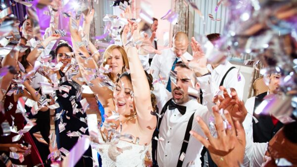 White and silver wedding confetti | Cheap Confetti Cannons