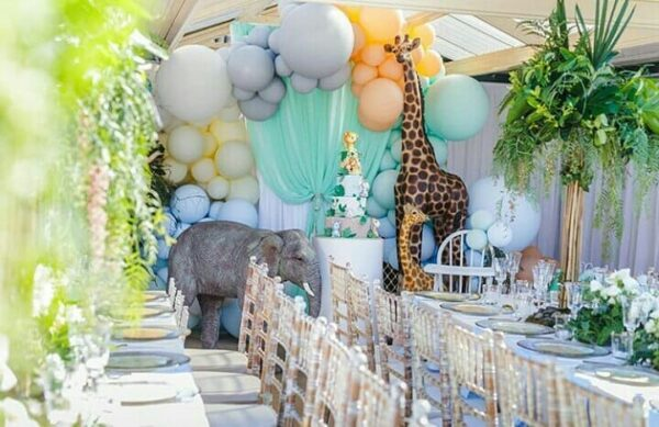 Organic Balloon Decor | Birthday Balloons