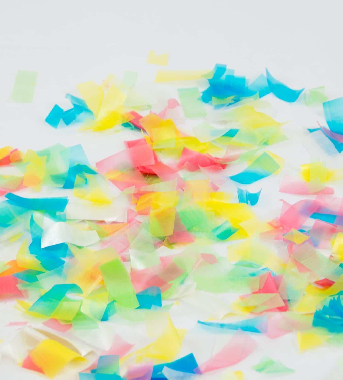 Dissolvable confetti